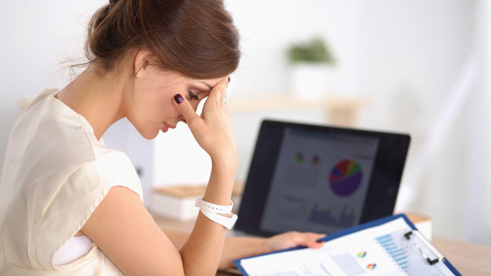 Otro de los síntomas más frecuentes es la falta de concentración (Shutterstock)