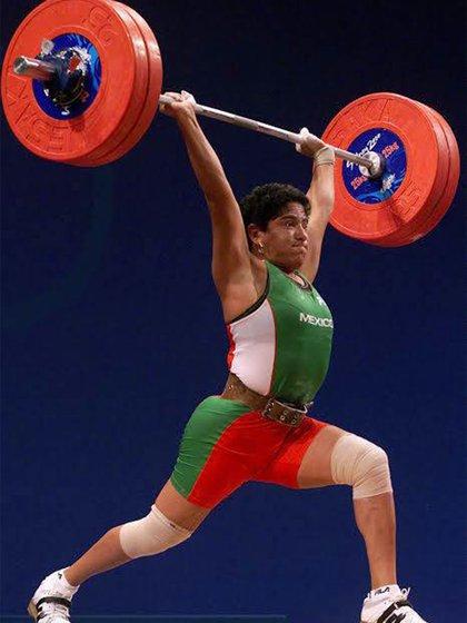 Soraya Jiménez se retiró antes de comenzar la clasificación rumbo a Atenas 2004.  (Foto: Twitter@CONADE)