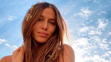 Nicole Poturalski, la novia de Brad Pitt