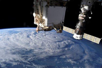 El rodaje de una película en el espacio ya es una realidad: Tom Cruise viajará en octubre del año próximo a la Estación Espacial Internacional junto a Elon Musk