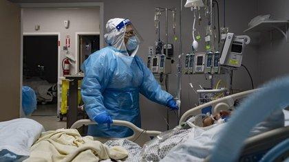 El COVID-19 afecta no sólo el sistema respiratorio entero, sino también otros órganos. (Go Nakamura/Bloomberg)