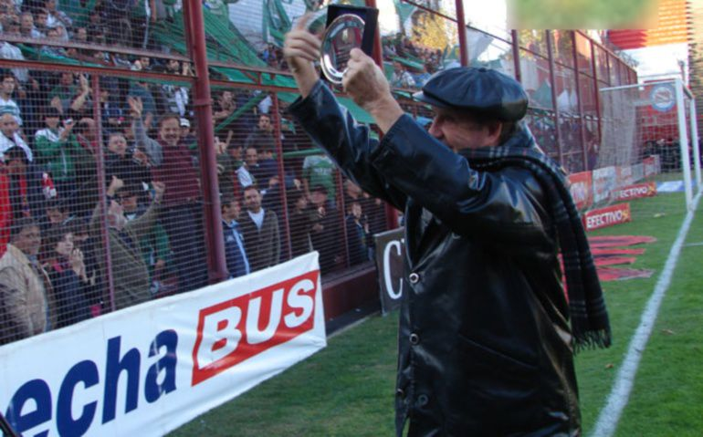 Con Gimnasia llegó a la última fecha como único puntero, perdió con Independiente y San Lorenzo salió campeón.
