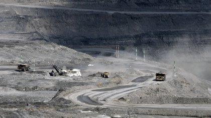 Tras evaluar su situación de negocio, la multinacional concluyó que no le es rentable volver a retomar las operaciones mineras de explotación de carbón que realiza en Calenturitas y La Jagua, en el departamento de Cesar (norte). EFE/MAURICIO DUENAS CASTAÑEDA/Archivo