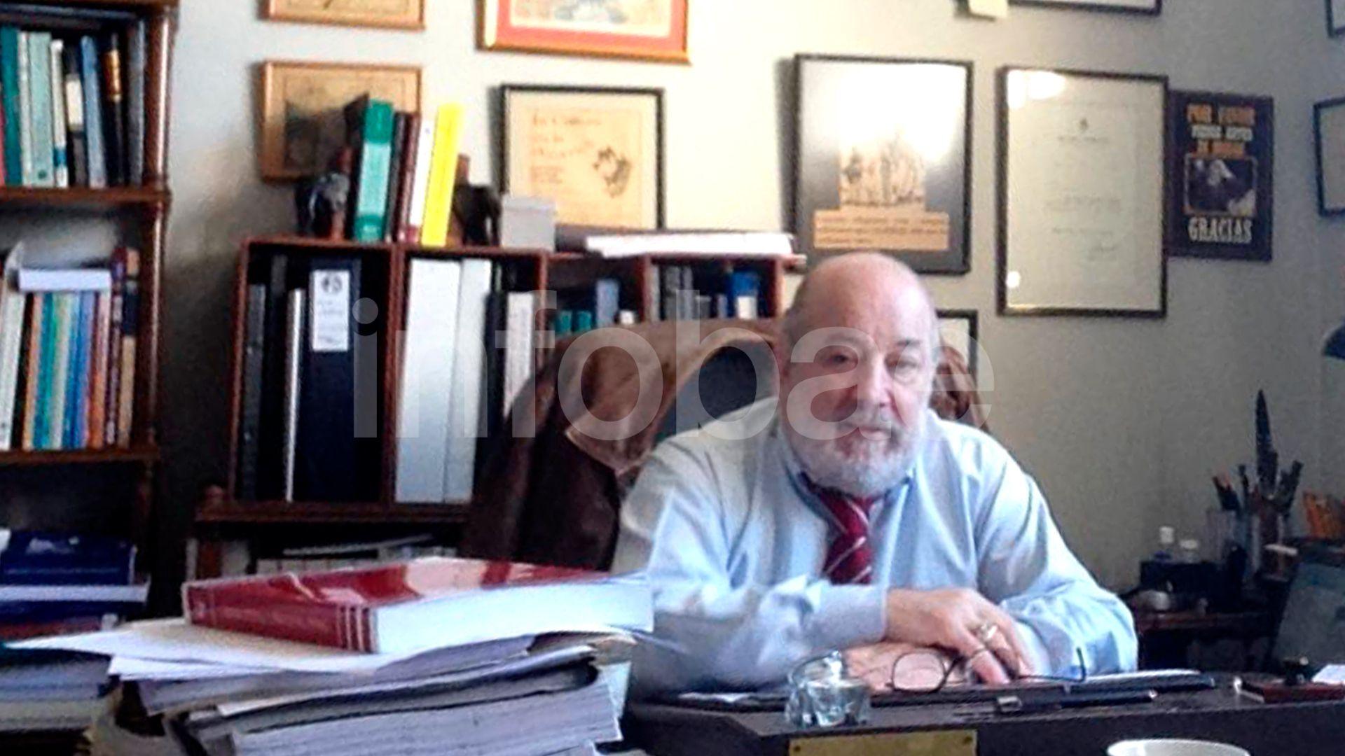El fallecido juez federal Bonadio en su despacho de Comodoro Py
