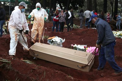 Brasil registra más de 57.000 muertos por coronavirus (REUTERS/Amanda Perobelli)