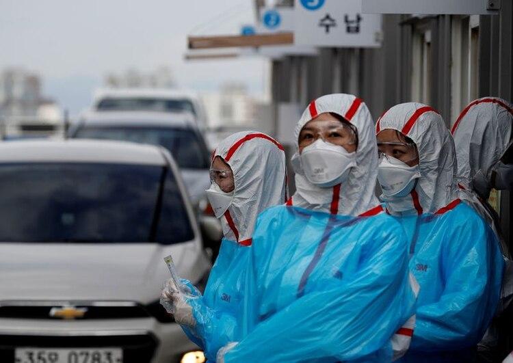 Corea del Sur, como Singapur y Hong Kong, tuvo una respuesta rápida al nuevo coronavirus, y por eso resultó exitosa. (REUTERS/Kim Kyung-Hoon)