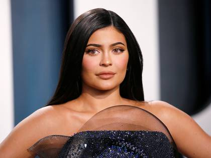 FILE PHOTO: Kylie Jenner attends the Vanity Fair Oscar party in Beverly Hills during the 92nd Academy Awards, in Los Angeles, California, U.S., February 9, 2020.     REUTERS/Danny Moloshok -/File Photo