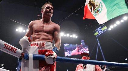 el director general de Matchroom Sport señaló que las fechas de Álvarez en el calendario boxístico son pieza fundamental del deporte (Foto: Ed Mulholland/Handout)