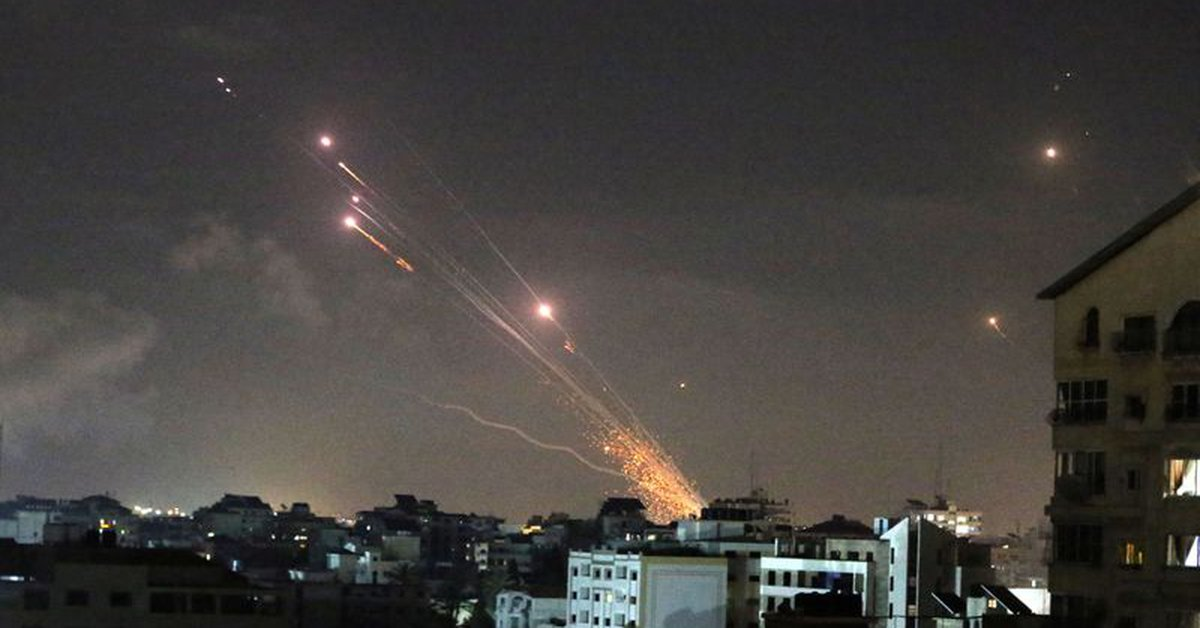 Hamas terror group continued its rocket attacks on Israel: five wounded in Tel Aviv