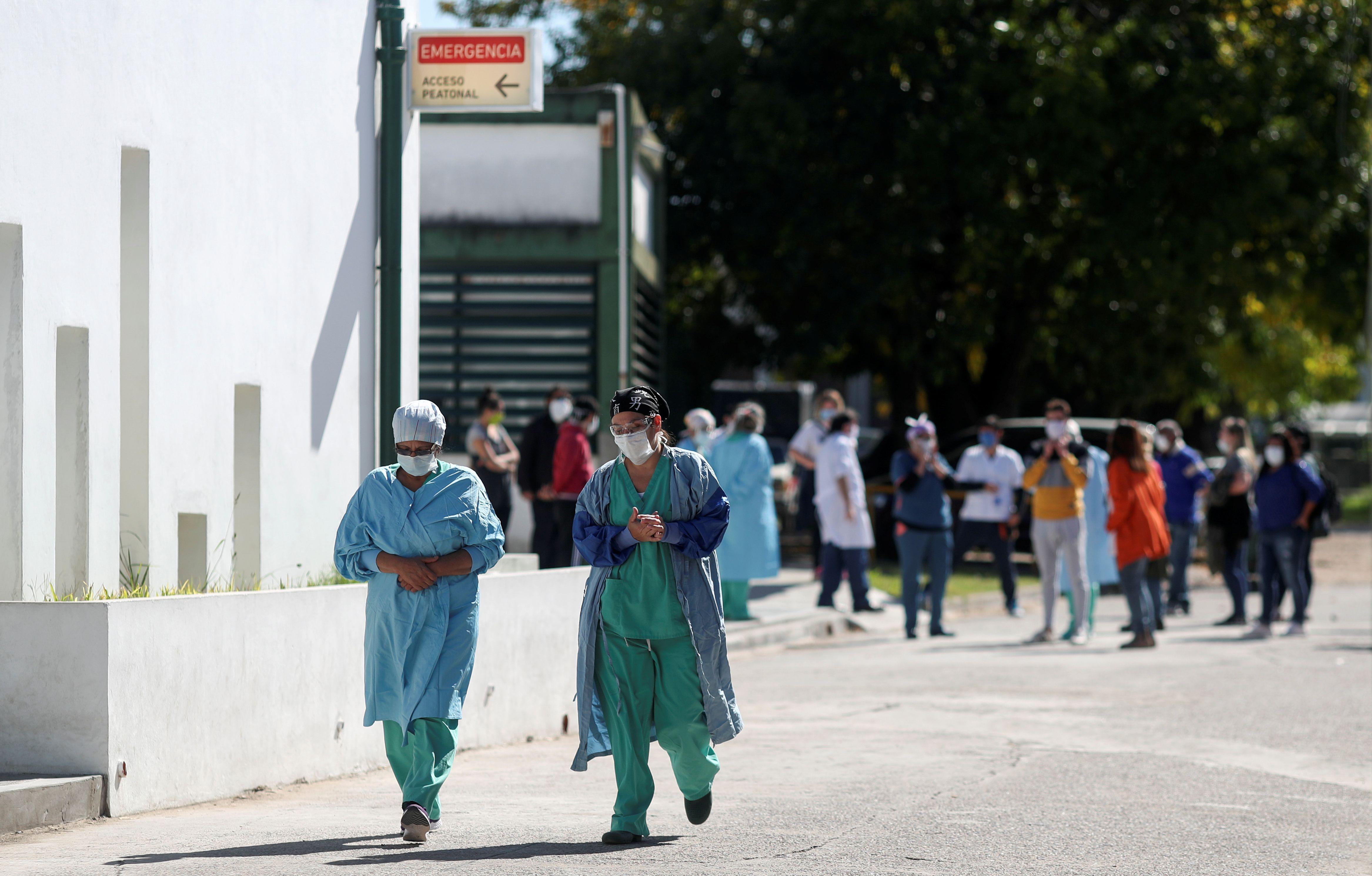 El presidente Alberto Fernández dio inicio este lunes a una tercera etapa de la cuarentena obligatoria (REUTERS/Agustin Marcarian)