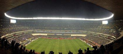 Los partidos serán a puerta cerrada. Además, habrá un máximo de 300 personas en el estadio (Foto: José Méndez/ EFE)
