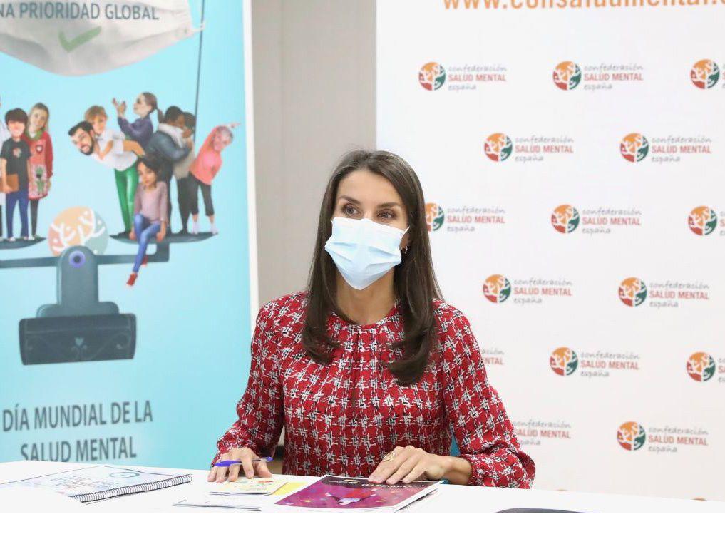 30/09/2020 La Reina Letizia durante su visita a la Confederación Salud Mental de España, en Madrid Allí ha mantenido una reunión con miembros de dicha confederación, cuya misión es mejorar la calidad de vida de las personas con enfermedad mental y sus familias. POLITICA EUROPA ESPAÑA SOCIEDAD CASA DE S.M. EL REY