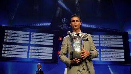 Cristiano Ronaldo ya ha ganado el premio a Mejor Jugador de la UEFA (REUTERS/Eric Gaillard)