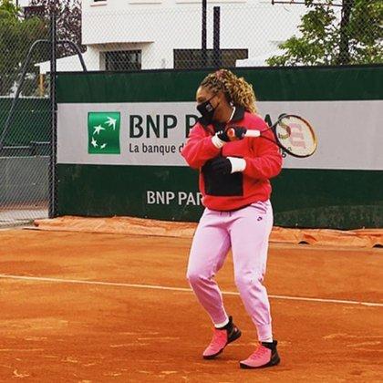 Serena Williams mostró la indumentaria que utiliza para protegerse del frío