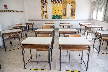 La escolarización es uno de los principales problemas provocados por la crisis epidémica. EFE / EPA / EMANUELE VALERI / Archivo