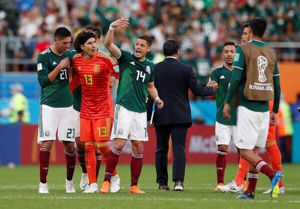 México sufrió, pero avanzó a octavos de final (REUTERS/Andrew Couldridge)