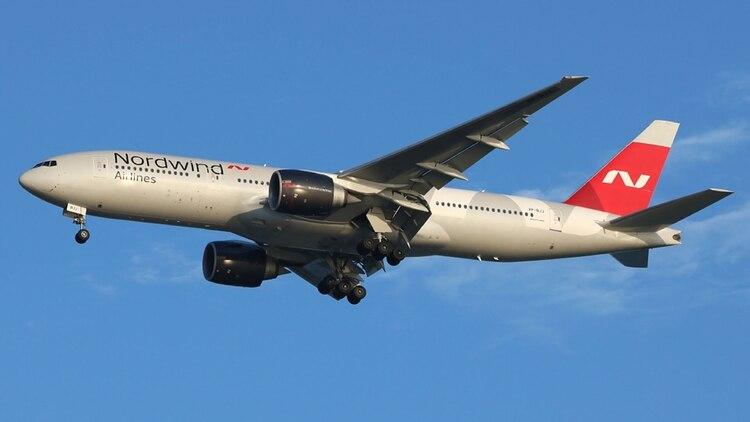 La llegada del Boeing 777 de la aerolínea rusa Nordwind despertó todo tipo de sospechas