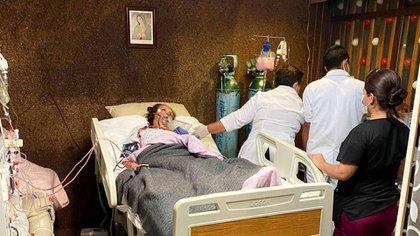 Luego de superar el COVID-19 y salir de terapia intensiva, la actriz regresó al hospital (Foto: Instagram/ @claudiaromoedelman)