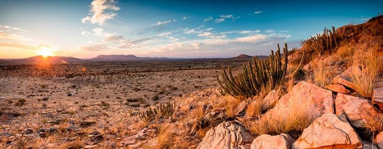El vasto !Ae!Hai Kalahari Heritage Park es uno de los pocos santuarios internacionales de cielo oscuro (Shutterstock)