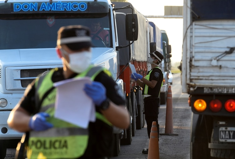 El control de la Policías en Santa Fe, Argentina (REUTERS)