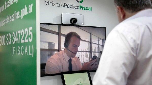 Se tomarán las denuncias de manera remota, por videollamada