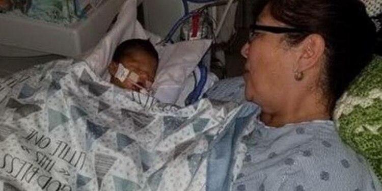 Esta es la fotografía que Clarisa Figueroa subió a la página de GoFundMe, que buscaba recaudar fondos para subebé moribundo (Foto: GoFundMe)