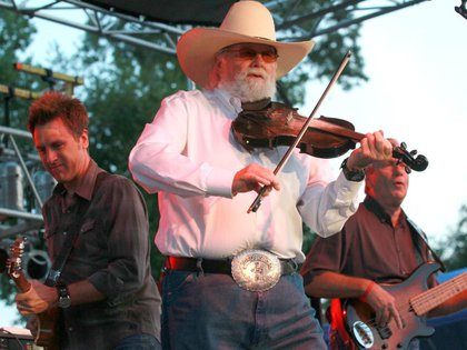 "Estrella country Charlie Daniels, cantante de ""Devil Went Down to ..."