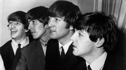 El debut de Ringo en la batería, durante un concierto en The Cavern, fue muy accidentado. Las mujeres reclamaban por la presencia del bello Pete Best y los hombres pedían a gritos que volviera a la banda. Hubo empujones, silbidos y hasta un golpe a George (Granger/Shutterstock)