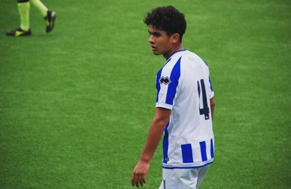 Nicolás Mercado juega de volante interno en el Primavera del Pescara (@nnicomercado)