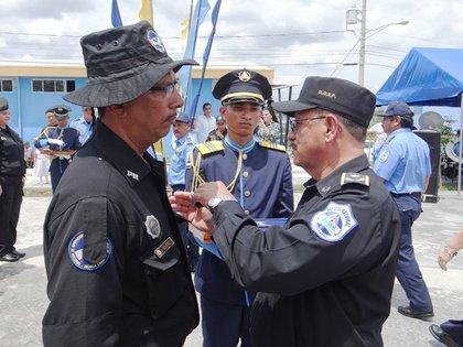 El comisionado general Justo Pastor Urbina, el jefe de las tropas especiales, es cercano al Presidente. Foto\Tomada de la Policía Nacional