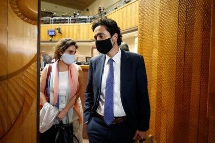 El ministro de Hacienda, Ignacio Briones y su par, la ministra del Trabajo, María José Zaldivar, quienes defendieron el proyecto de retiro del 10% con las condiciones puestas por el Gobierno