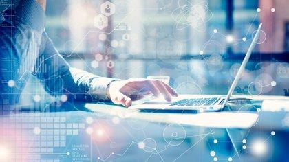 Establecer la claridad del propósito de la reunión posibilitará estabilizar el encuentro a través del trípode: personas - procesos - tecnología, y así generar mayor operatividad (Shutterstock)