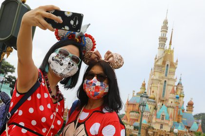 28/09/2020 Las instlaciones de Disneyland en Hong Kong han reabierto sus puertas dos meses después de permanecer cerradas por culpa del coronavirus..   DICKSON LEE / ZUMA PRESS / CONTACTOPHOTO