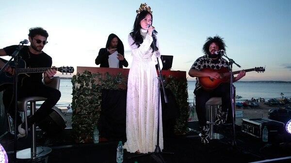 La joven de 27 años cantó 4 temas (Christian Bochichio)