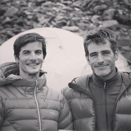 Juan Pablo Sarjanovich yMariano Galván, una leyenda del montañismo chubutense de 37 años y radicado en Mendoza, que desapareció en el monte Nanga Parbat en Pakistán