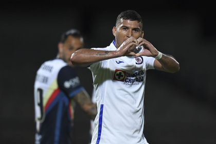 Cruz Azul festeja gol ante América (Foto: Twitter/LigaBBVAMX)