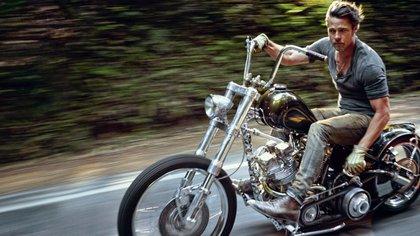 Brad Pitt es más que un apasionado de las motos: es un coleccionista