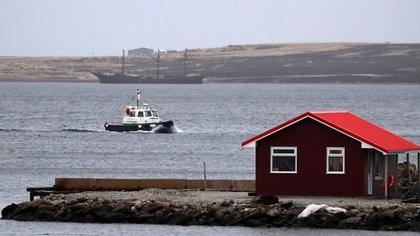 El Reino Unido ha advertido que mantendrá una presencia militar en las Islas Malvinas para protegerlo de ataques externos.