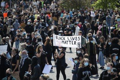 Bandera del movimiento Black Lives Matter en Gotemburgo, Suecia