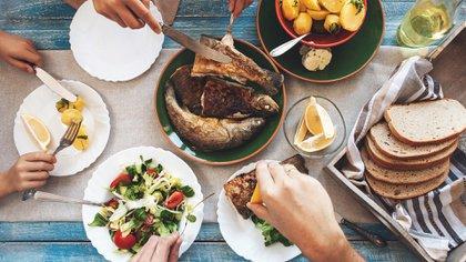 El pescado es un gran alimento que beneficia al cerebro (Shutterstock)