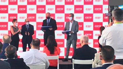 En la inauguración estuvieron presentes Omar Perotti, gobernador provincial, y el intendente de Rosario, Pablo Javkin