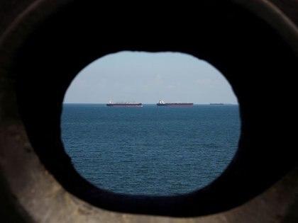 Imagen de archivo de buques petroleros en las costas frente a Tuas en Singapur. 15 de julio, 2019. REUTERS/Edgar Su/Archivo