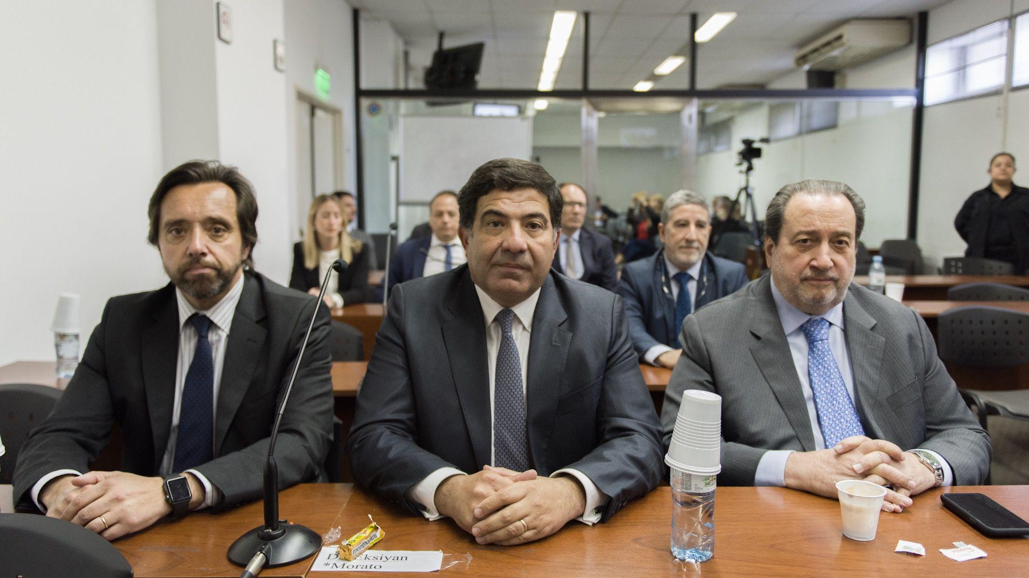 Echegaray con sus abogados,  Arias Duval y Arslanian, en uno de los juicios en su contra