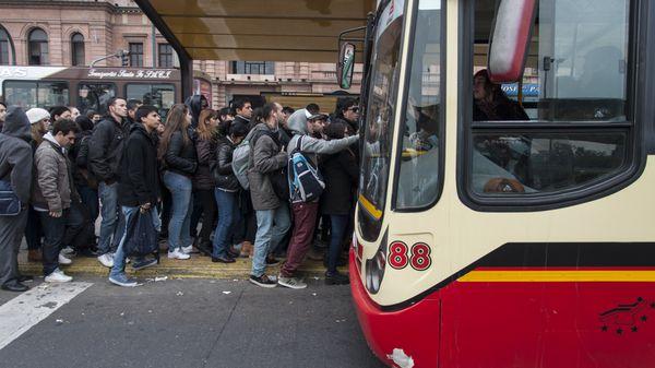 El Gobierno aumentará los subsidios al transporte