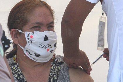 Casi 2.8 millones de personas han recibido al menos una dosis de la vacuna contra COVID-19 en toda la República mexicana (Foto: Rogelio Morales/ Cuartoscuro)