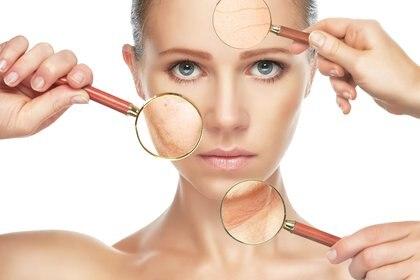 Pequeños cambios en la alimentación cotidiana pueden conducir a una mejor piel (iStock)