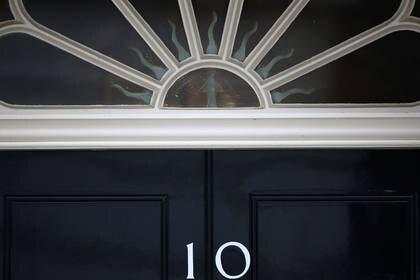 Vista general del 10 de Downing Street mientras continúa la propagación de la enfermedad coronavirus (COVID-19), Londres, Reino Unido, 8 de abril de 2020. REUTERS/Hannah McKay