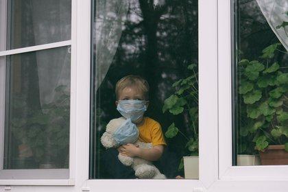 Según una investigación, uno de cada cuatro niños sufre ansiedad por el aislamiento social derivado del coronavirus, y muchos de ellos corren el riesgo de sufrir trastornos psicológicos permanentes, incluida la depresión (Shutterstock)