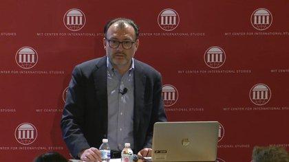 Videgaray dando una ponencia en el MIT (Foto: Captura de pantalla)