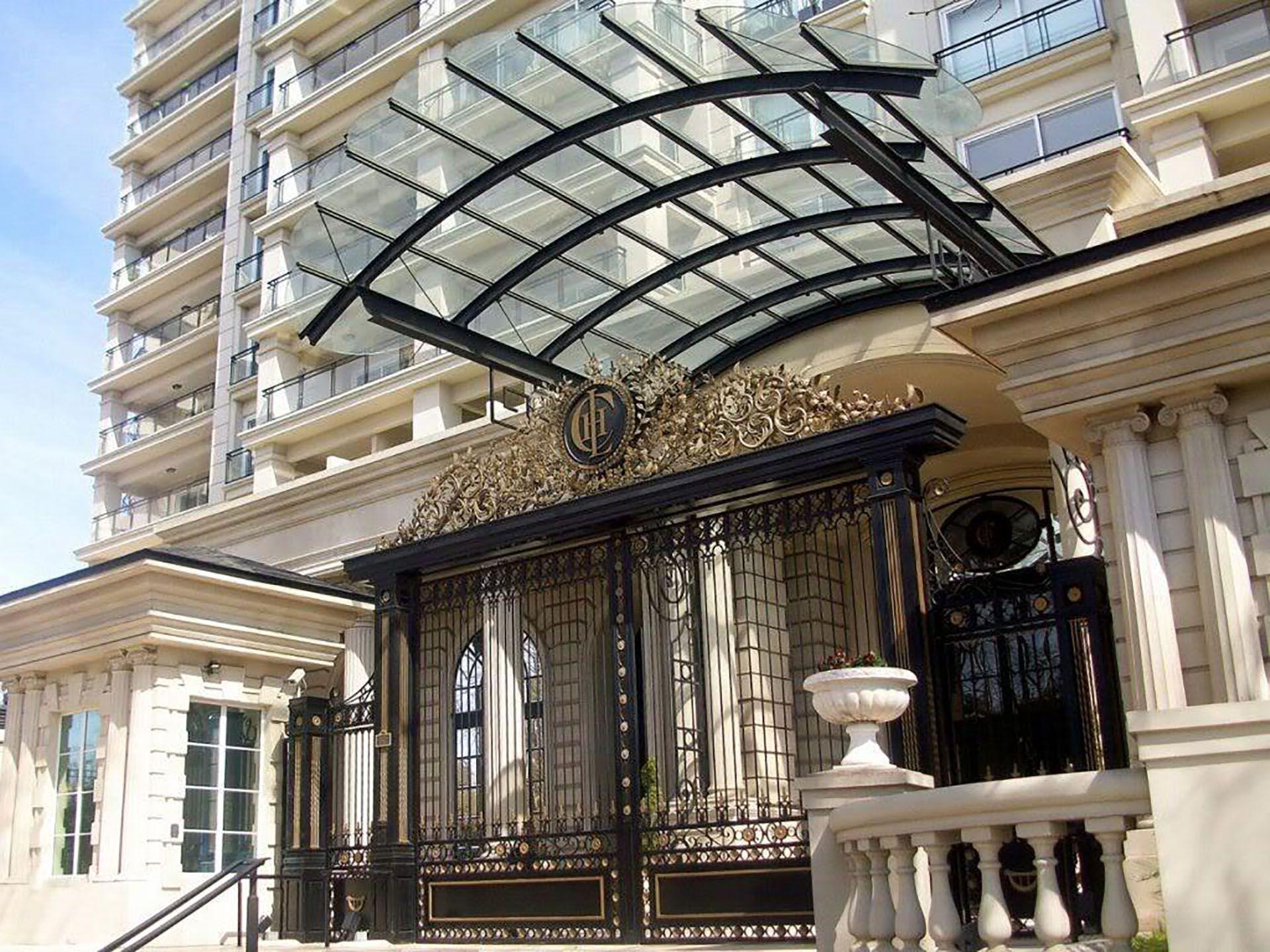 """Uno de los departamentos que serán rematados está en el edificio """"Chateau Puerto Madero"""""""
